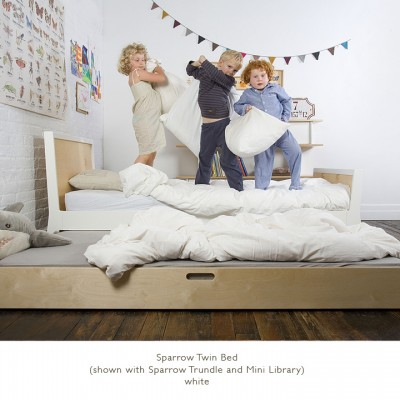 Oeuf Sparrow Twin Bed - White/Birch